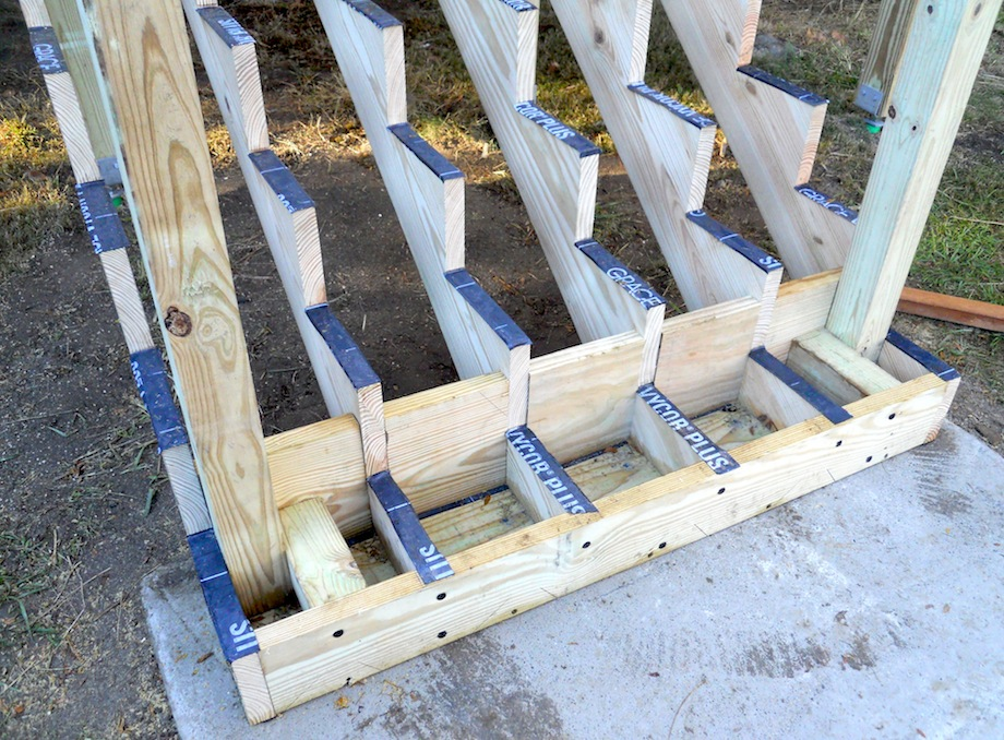 attaching bottom deck posts thisiscarpentry