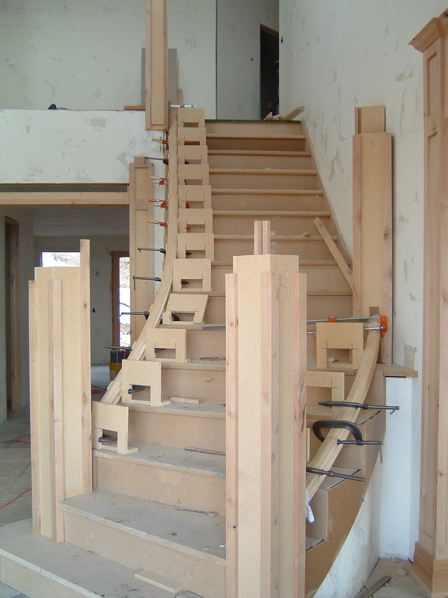 Curved stairs no mystery just simple math thisiscarpentry for House plans with curved staircase
